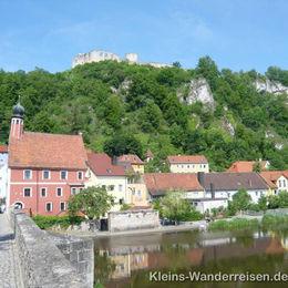 Jurasteig Kallmünz mit Burg und Rathaus