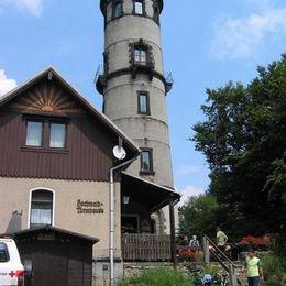 Oberlausitzer Bergweg, Hochwaldbaude mit Turm