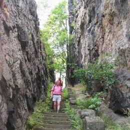 Oberlausitzer Bergweg, Treppe am Nonnenfelsen