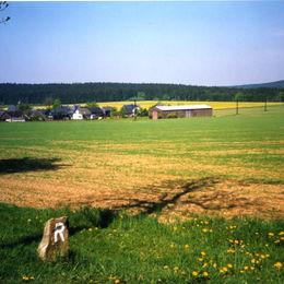 Rennsteig - wandern ohne Gepäck auf einem der beliebtesten Wanderwege in Deutschland - bei-grumbach