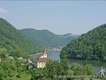 Donausteig Kirche an der Donau
